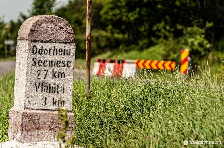 Hétévente kellene új aszfaltréteget elteríteni a Csíkszereda és Udvarhely közötti országúton