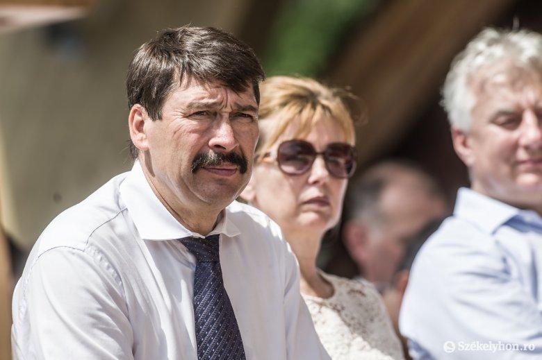 Áder János: van megoldás az úzvölgyi helyzetre, de Romániának be kell tartania a saját törvényeit