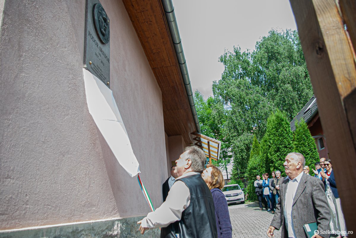 https://media.szekelyhon.ro/pictures/csik/aktualis/2019/07_junius/o_fodor_sandor_plakett_ga-13.jpg