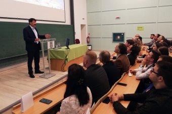 A vízválságról és a klímaváltozásról tart előadás Áder János Csíkszeredában