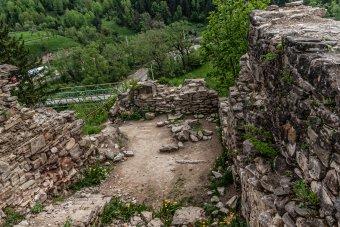 Nyolc éve küzd a gyimesbükki Rákóczi-vár felújításáért – jövő pünkösdre kész lehet