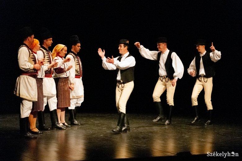 Bukovinaiak és góbék, színpadra!