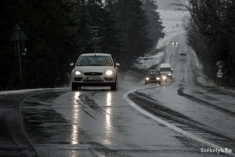 Mutatjuk, melyik székelyföldi megyékben kell erős szélre, hóviharra számítani