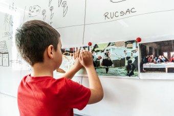 """Hogyan tanuljon meg a magyar gyerek románul? – A """"román balettől"""" a nyelvtanfolyamig számos módszert bevetnek a szülők"""