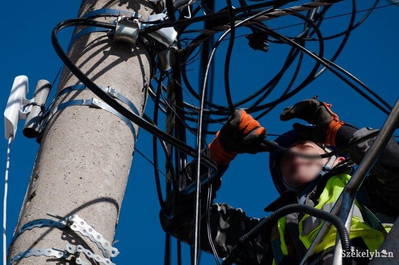 Nem maradnak támasz nélkül a rászorulók: csiszolgatják az ingyenes földgáz- és villanyáram-csatlakoztatás szabályzatát