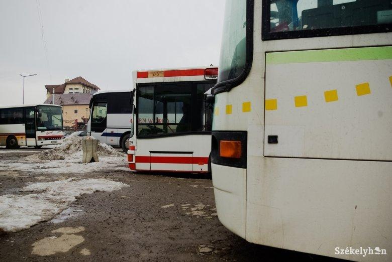 Utasok hiányában továbbra is félgőzzel üzemelnek a Magyarországra járó székelyföldi busztársaságok