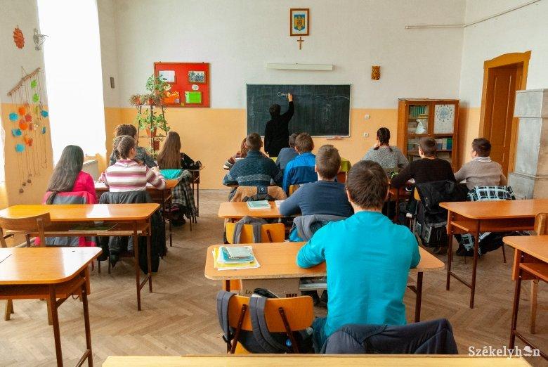 Bevált az új speciális román tanterv, meglátszik a fejlődés a hatodik osztályt végzetteken