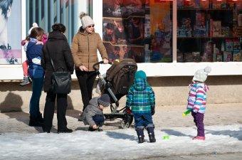 Nem duplázna: visszaküldte Iohannis a parlamentnek a gyermeknevelési támogatás lépcsőzetes emelését elutasító törvényt