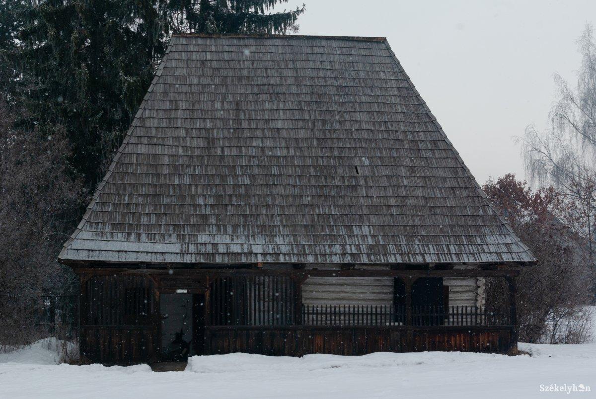 https://media.szekelyhon.ro/pictures/csik/aktualis/2019/12_januar/02/o_nyiro_jozsef_novella_film_ga-17.jpg