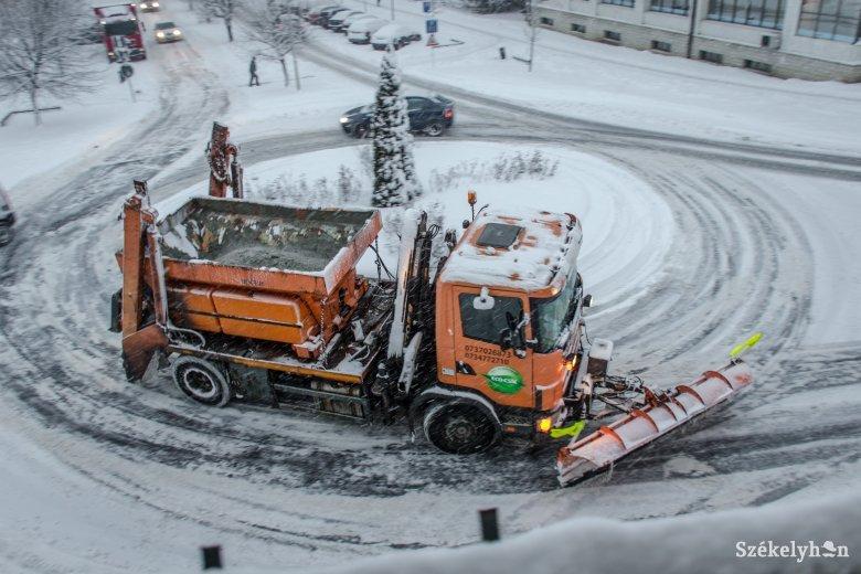 Több buszjárat, ingyenes formanyomtatványok, felkészülés a télre Csíkszeredában