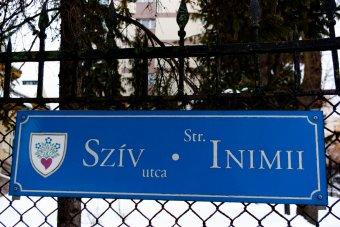 Elsőbbség a románnak: ki kell cserélni a csíkszeredai utcanévtáblákat