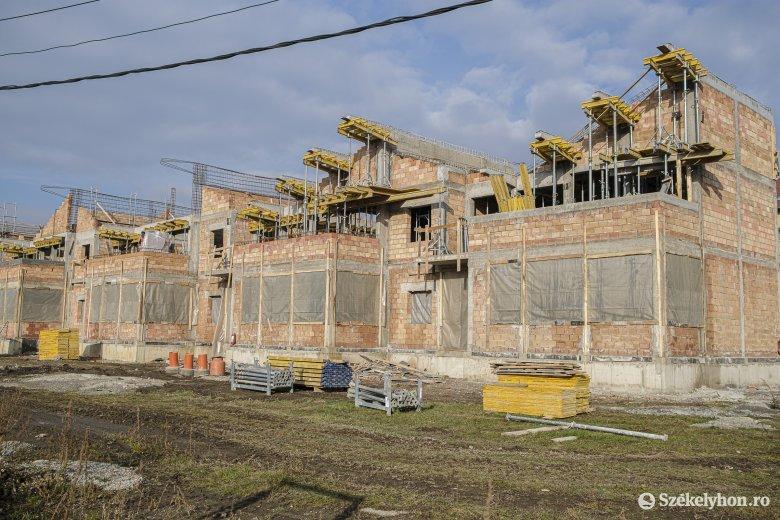 Jól halad az új csíkszeredai napközi építése, határidő előtt befejeznék