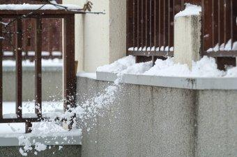 """""""Ülök a hóban, a lábam lefagy..."""" Dalok a hóról és a havazásról"""