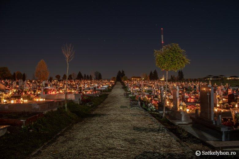 Csendes emlékezés Mindenszentek ünnepén