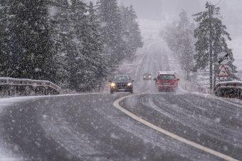 Hűvösebbre fordul a hétvégére az idő, a meteorológusok szerint havazás várható