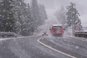 Csapadékosra fordul az időjárás, Erdélyben és a hegyvidéken havazásra is lehet számítani