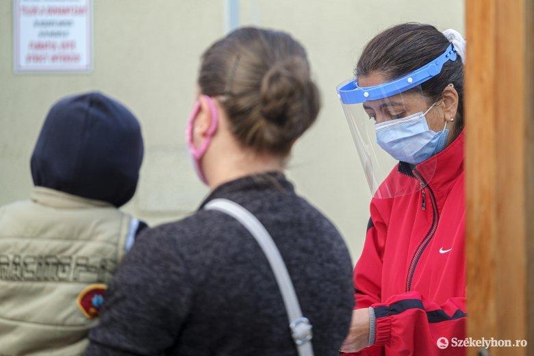 Továbbra is négyezer fölött az újonnan azonosított fertőzöttek száma