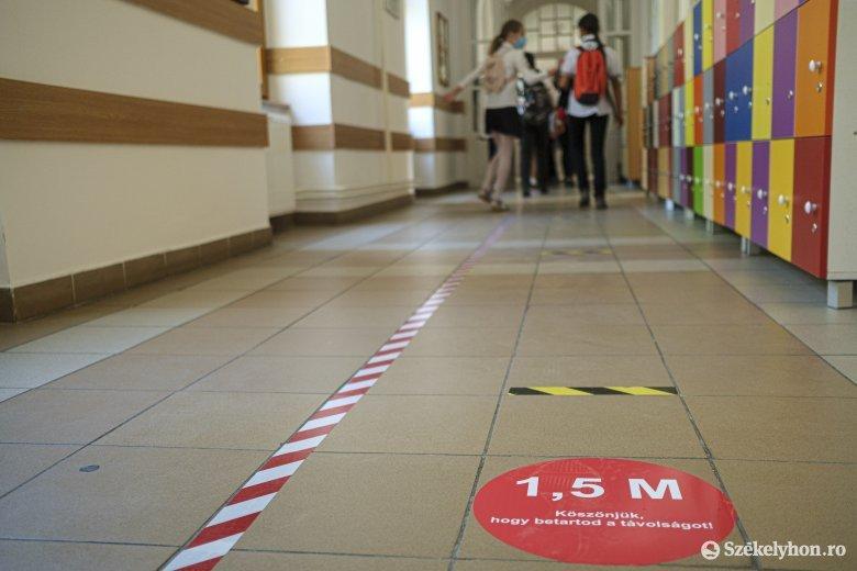 Csíkszeredában, Marosvásárhelyen és Sepsiszentgyörgyön nem mindenki mehetett hétfő reggel iskolába
