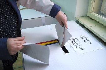Az erőltetett fúzióban látják a gyászos választási eredmények okát