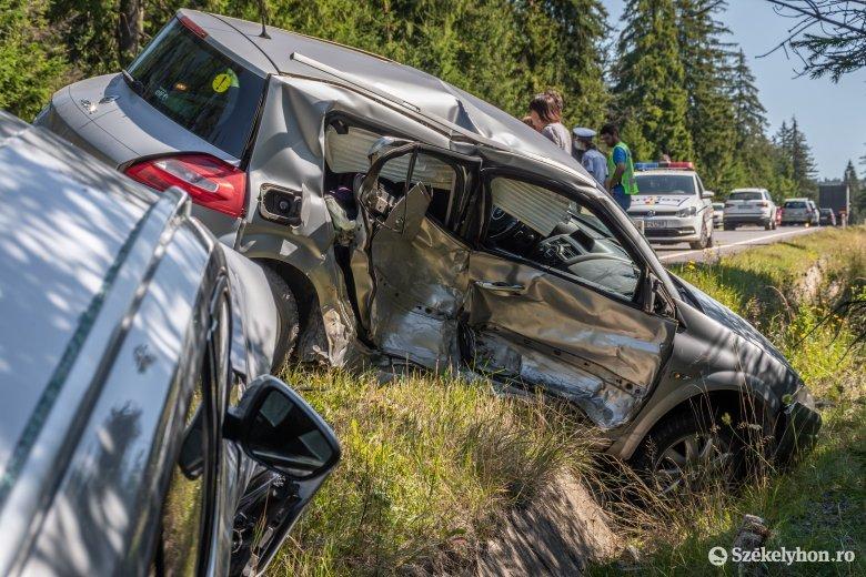 Hárman sérültek meg a Lenkút közelében történt balesetben