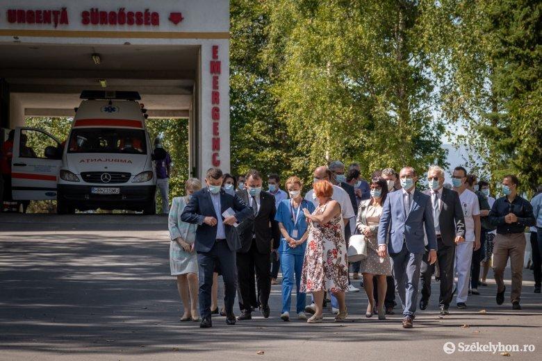 Nelu Tătaru egészségügyi miniszter Csíkszeredában: az első védőoltás-szállítmány már az év végén megérkezhet