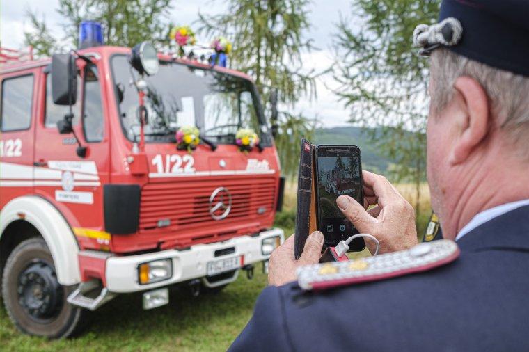 Tűzoltóautót kapott ajándékba Lázárfalva