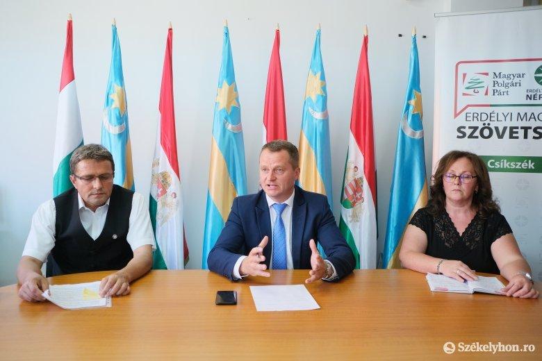 Bemutatta a gyimesfelsőloki és a csíkszentmihályi polgármesterjelöltjeit az Erdélyi Magyar Szövetség
