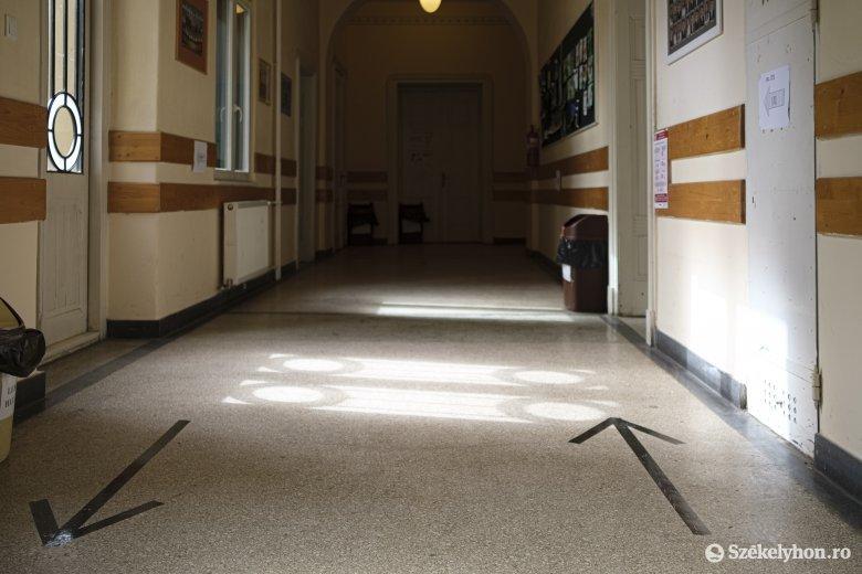 Kizártak egy háromszéki nyolcadikost a vizsgáról, de nem a magas testhőmérséklete miatt