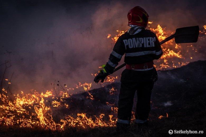 Szerda este csukott ablak mellett: lángolt a Suta-domb