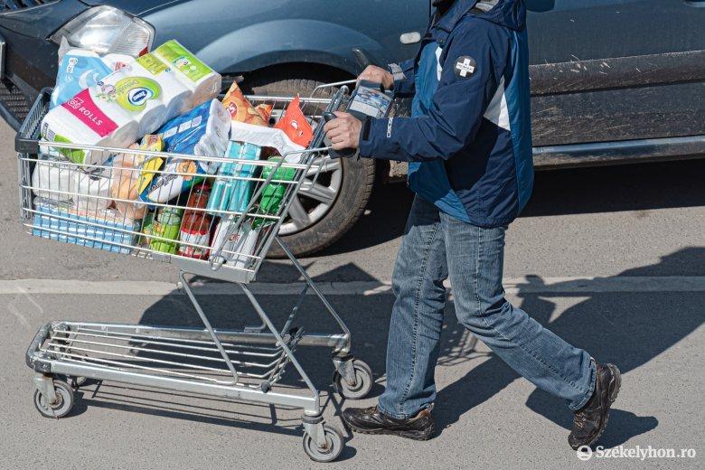 Az élelmiszerek, az italok és a dohánytermékek pörgették a kiskereskedelmet