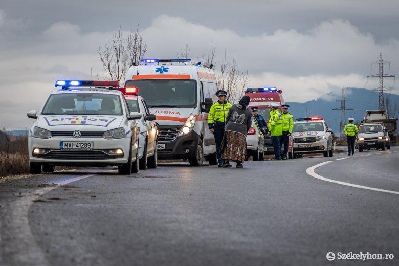 Két autó ütközött Csíkszentdomokoson