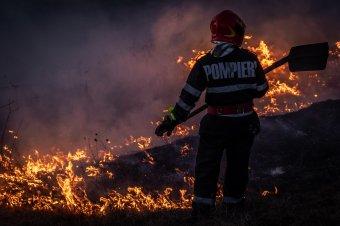 Több ezer szalmabála égett le a Kolozs megyei Pusztacsánban