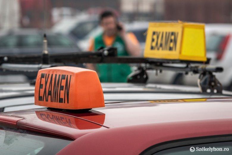 Egyelőre harminc napra leáll a sofőrvizsgáztatás az országban