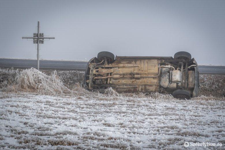 Jégképződés várható, óvatosan közlekedjenek az utakon