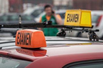 Felfüggesztették az autóvezetői vizsgákat a járvány miatt