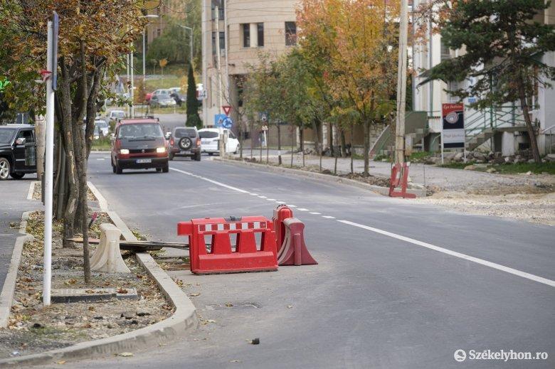 Korodi: húszezer négyzetméreten terítettek le aszfaltszőnyeget idén Csíkszeredában
