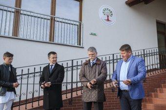 Az intézmény, amely révén biztosított a csángó fiatalok magyar nyelvű továbbtanulása