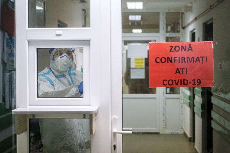 Naponta ellenőrzik a koronavírussal fertőzött betegek kezelésére kijelölt intenzív terápiás kórházi ágyakat