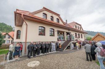A határokon átívelő összefogás eredményeként valósulhatott meg az új plébániaépület