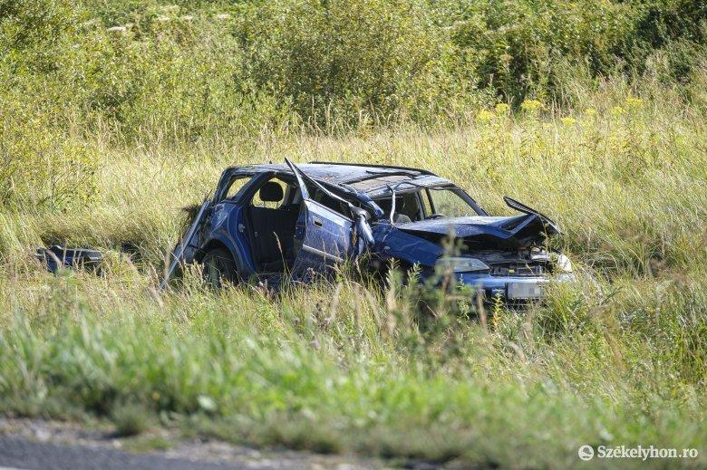 Ketten sérültek meg a Csíkszereda melletti közúti balesetben