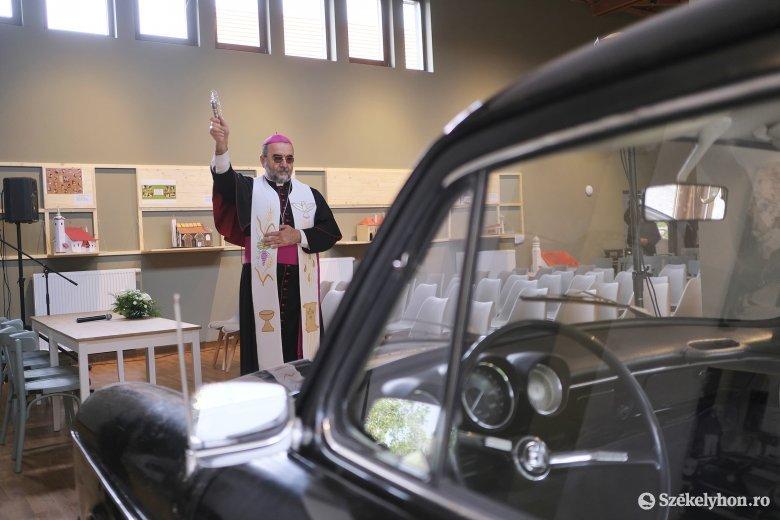 Megnyílt a csíkszentdomokosi Márton Áron Látogató- és Zarándokközpont