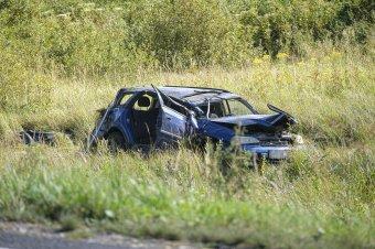 A mezőn borult fel egy autó Csíkszereda és Csíkszentkirály között