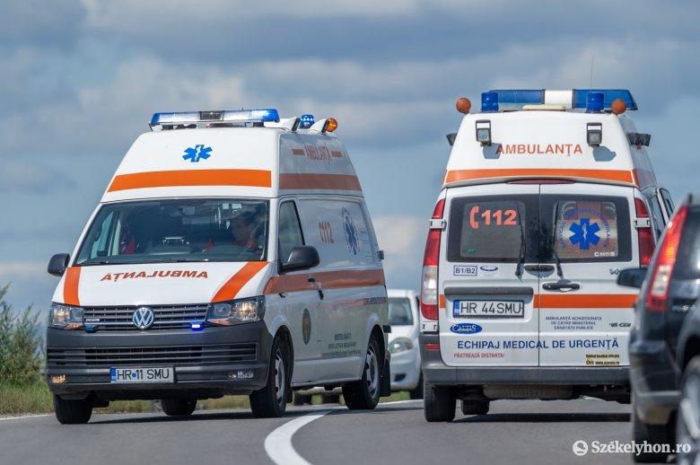 Vonattal ütközött egy kisbusz Kolozs megyében, kilencen megsérültek