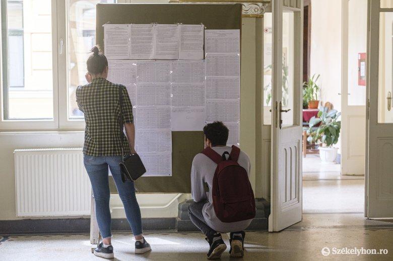 Román érettségi: nem fognak változni az eredmények, ameddig nem vezetnek be alapos reformokat