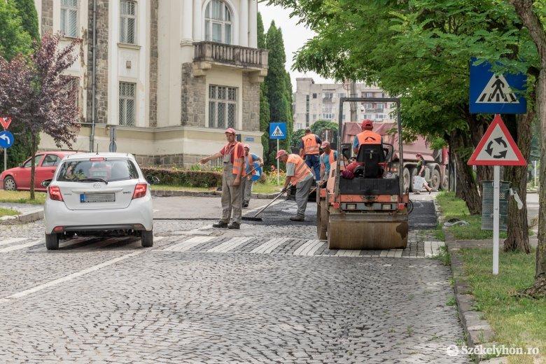 Kátyúzás miatt néhány órára lezárják a Temesvári sugárút felső szakaszát