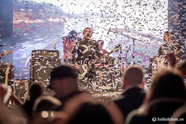 Látványban is felülmúlta az elvárásokat a Republic csíkszentsimoni koncertje