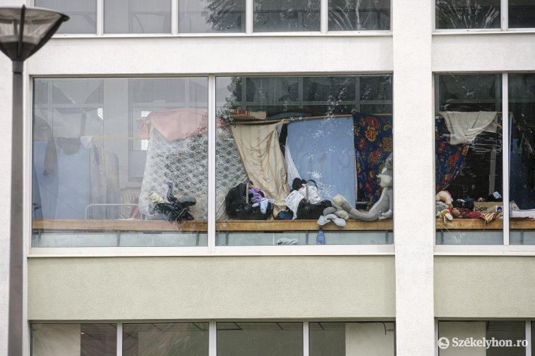 A csíkszeredai Hajnal utcaiak nem látják szívesen a tűzkárosult romákat