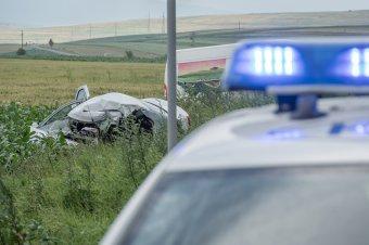 """Beszóltak a civilek az """"alvó belügyminiszternek"""", cinkossággal vádolják a rendőrséget a súlyos balesetek ügyében"""