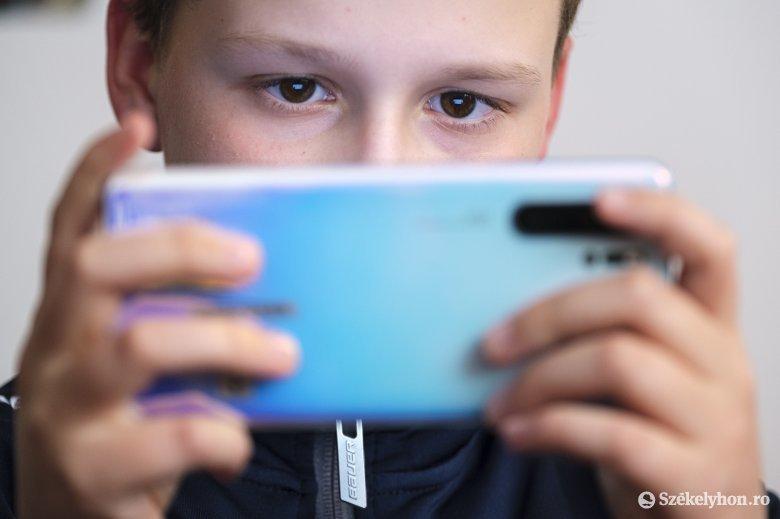 Egy kutatás szerint okostelefonunkkal emberi csigákként a zsebünkben hordjuk lakásunkat