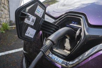 """Egyre hangsúlyosabb a """"zöld"""" autók térhódítása Székelyföldön is"""